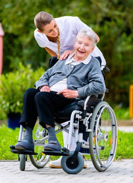 czy seniorowi potrzeba jest rehabilitacja